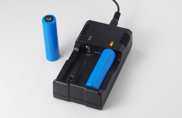 充電電池式