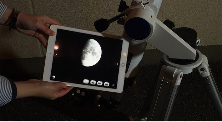 天体望遠鏡の映像をタブレットに表示